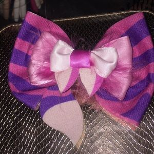 Hot Topic Cheshire Cat Bow